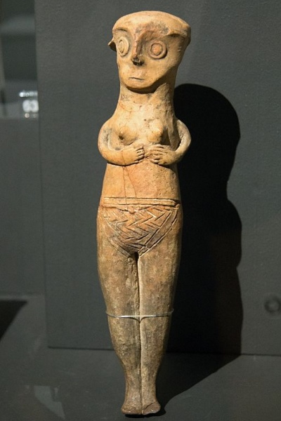Soubor:Female figurine from Cyprus 13 c BC, NG Prague Kinsky, ÚKA 58-374, 141837.jpg